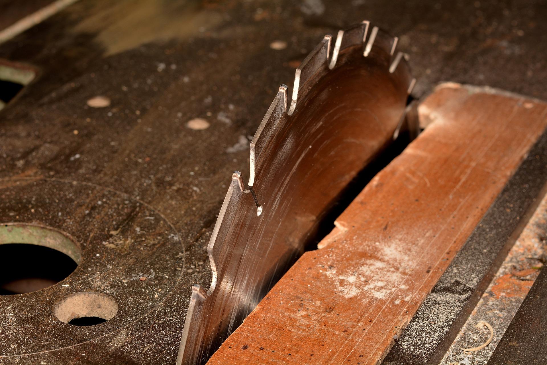 Factors to Consider When Choosing Bandsaws